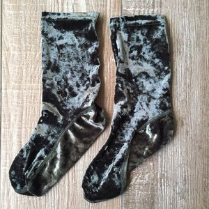 NWOT 🌿 Free People Emerald Crushed Velvet Socks